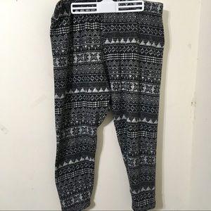 USE THIS FG Black/White Leggings 3X(22-24W)